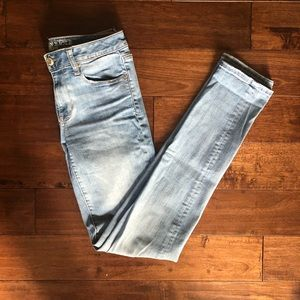 🆕 AE EXTRA LONG Light Wash Straight Cut Jeans